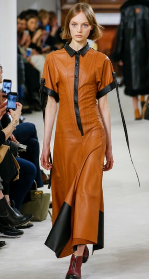 Loewe Fall 2018. Photo Credit: Marcus Tondo via Vogue.com. Fall Fashion Guide for INTJ Fashionistas. Alwaysuttori.com.