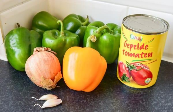 ingredienten-groene-paprika-tomatensaus