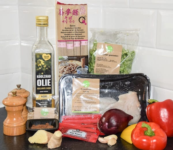 ingredienten-noodles-snijbonen-paprika