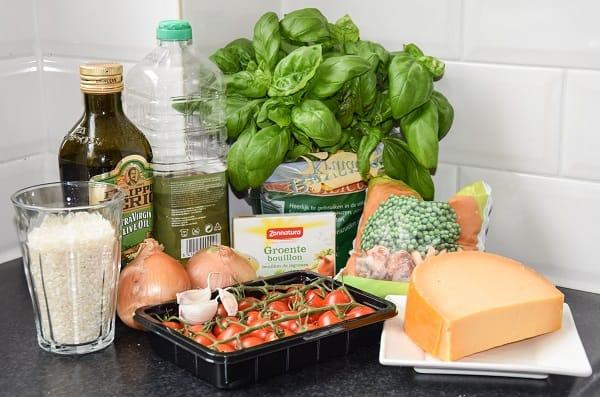 ingredienten-risotto-tomaatjes-tuin-erwtjes