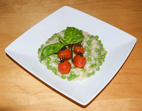 risotto-tomaat-erwt-bordje-opgemaakt