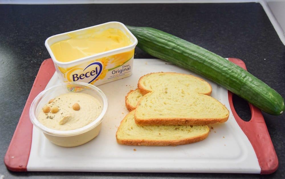 sandwich-humus-komkommer