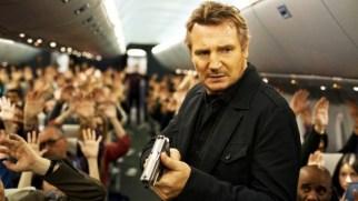 Havada geçen aksiyon dolu bir macera. Yerden 12.000 metre yükseklikte zamanla yarış. Hava Kuvvetleri'nden emekli asker olan Bill Marks'a yolculuk esnasında bir mesaj gelir ve bir görev verilir. Kısıtlı bir zamanı vardır. Eğer talimatları yerine getirmez ise yolcuların hayatları tehlikededir. 20 dakikada bir uçakta bir yolcuyu öldürmek ile tehdit eden esrarengiz suçlu ve emekli bir asker arasında amansız bir kovalamaca.