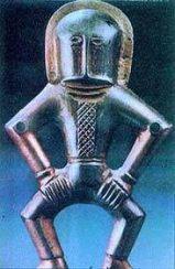 """Ünlü """"Kiev Kozmonotu"""" Bu heykelcik Avrupa'da bulunan """" uzay adamı """" özelliklerini gösteren tek buluntudur. Yaşı çok eskidir."""