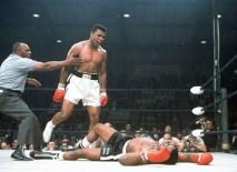 Muhammed Ali, kariyeri boyunca çıktığı 61 maçın 56'sından galibiyetle ayrıldı.