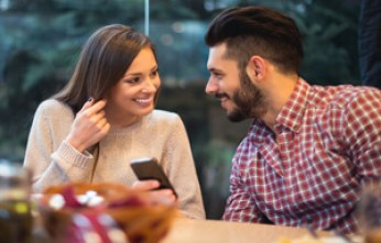 8-questions-you-shouldn't-ask-on-a first-date-dating-advice