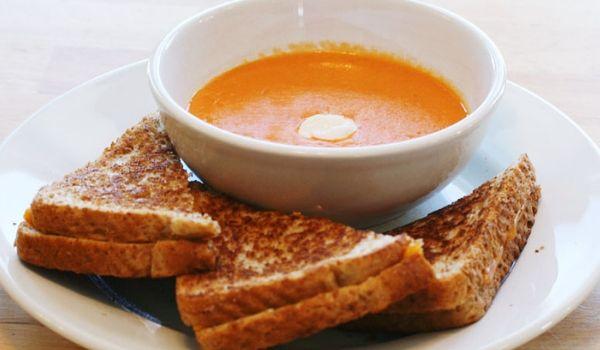 favourite-tomato-recipes-tomato-soup-toasted-cheese