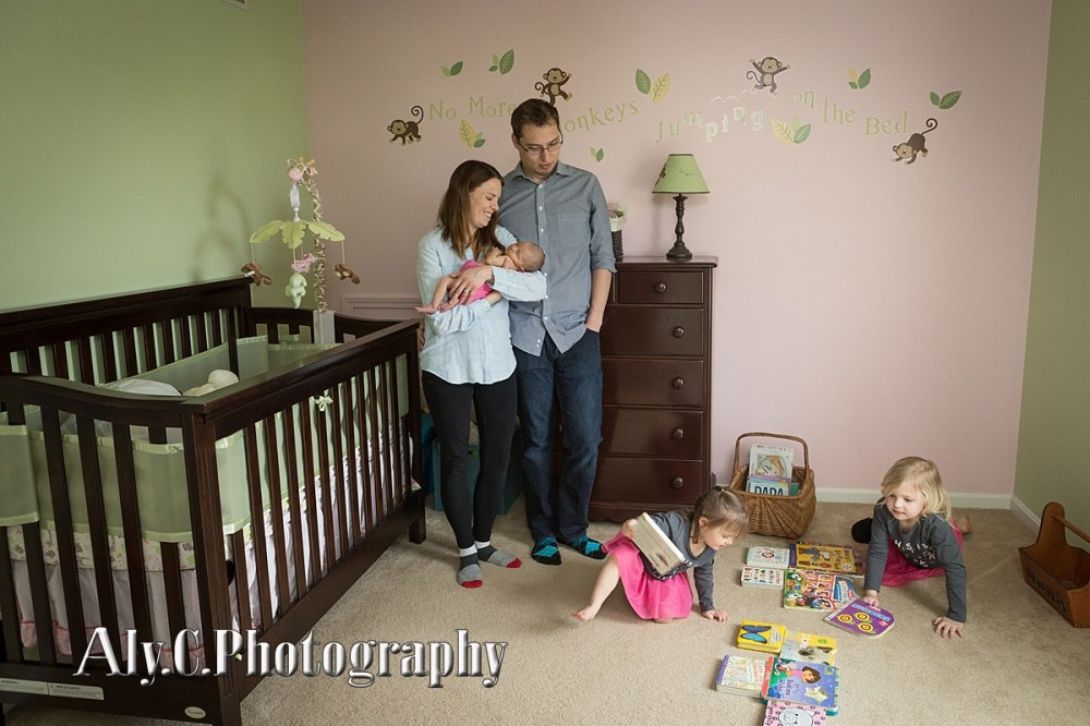 newborn family pictures at home