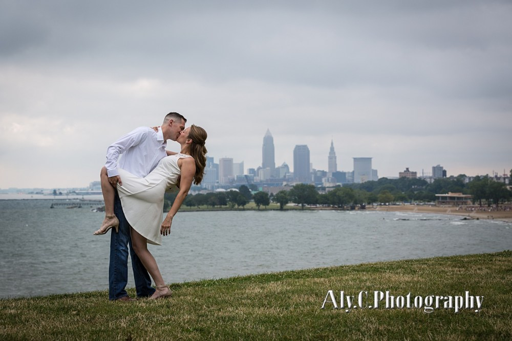 edgewater park engagement session