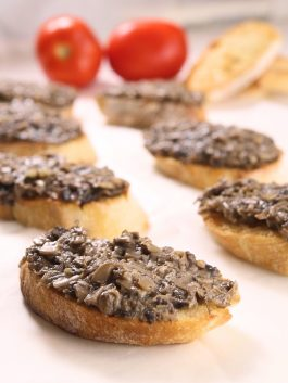 Russian_mushroom_canapes_recipe