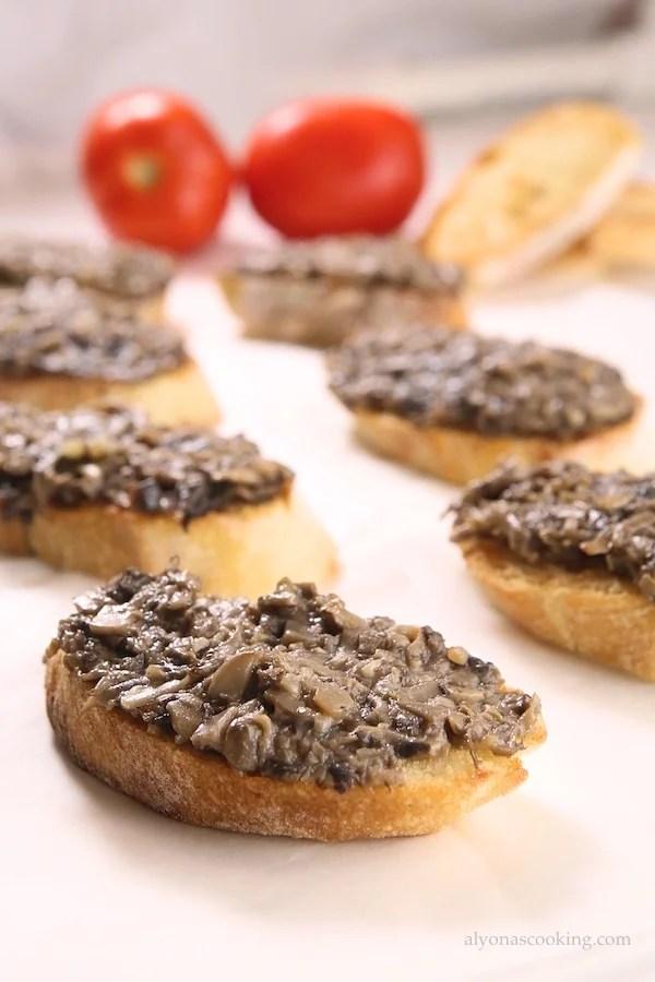 Russian_mushroom_canapes_recipe