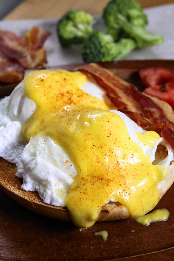 Super Easy Hollandaise Sauce Stove-Free Recipe