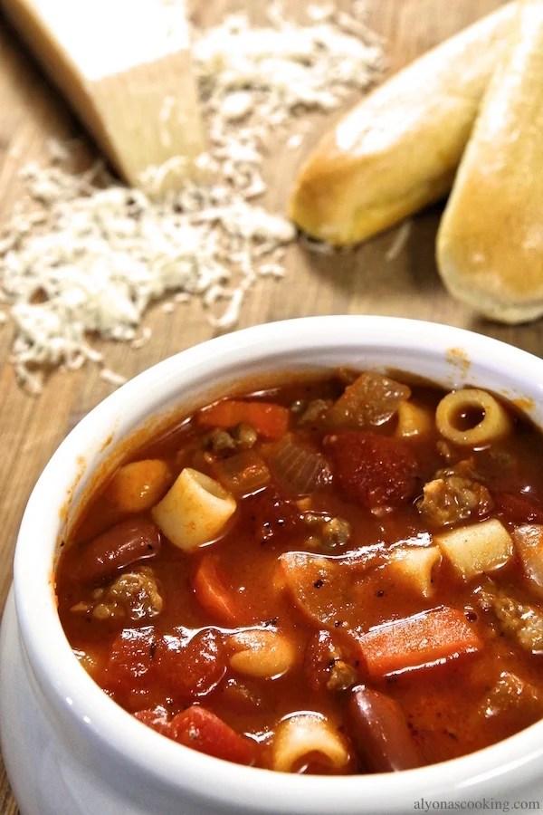 pasta-e-fagioli-soup-recipe-copycat-olive-garden-recipe-alyonscooking.com