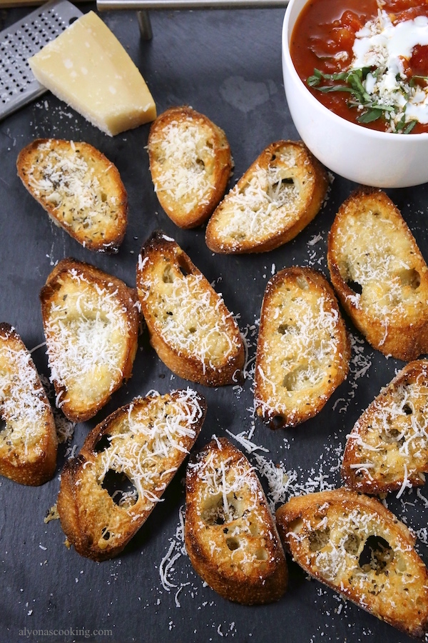 parmesan-garlic-crostini-baguette-slices-recipe