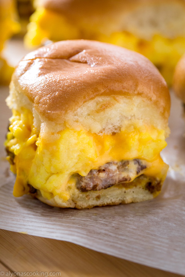 sausage-egg-and-cheese-breakfast-sliders