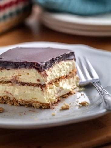 chocolate-eclair-cake