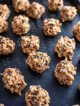 energy balls with peanut butter