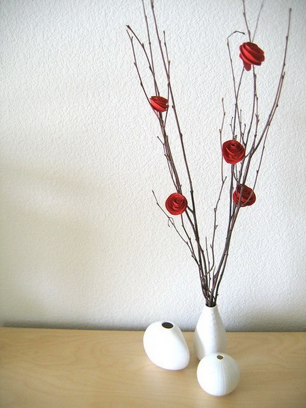 Paper-Flower-Branch-Tree-Centerpiece Sweet DIY Valentine's Day Decoration Ideas