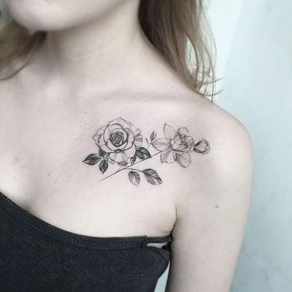 Blackwork-Collarbone-Rose Pretty Flower Tattoo Ideas