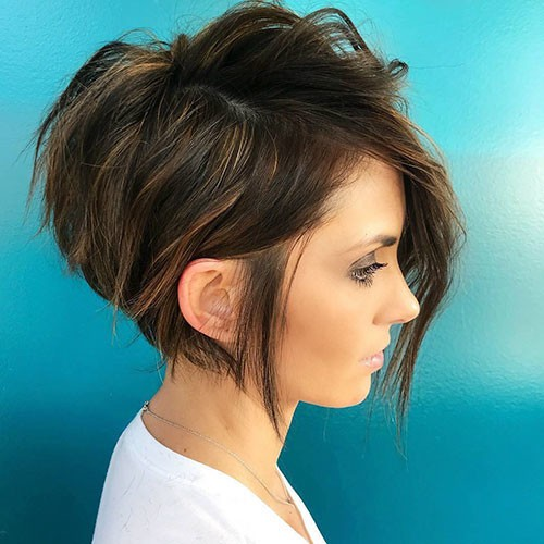 Nice-Blonde-Highlights- 28 Elegant Short Thick Hair Trends of 2020