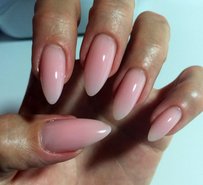 Nice-pink-and-white-ombre-nail-for-almond-nails Perfect Ideas for Pink Nails to Finish Feminine Look