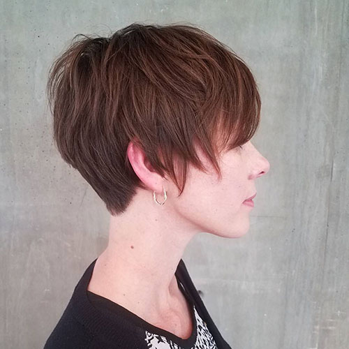 Short-Layered-Hairstyles-for-Thin-Hair-11 Beautiful Short Layered Hairstyles for Thin Hair in 2020