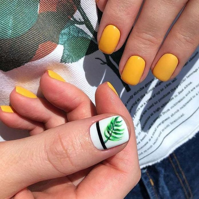 accent-nails-easy-ways-mani-yellow-color-flower 2020 Fantastic Nail Design Ideas with Simple Accents