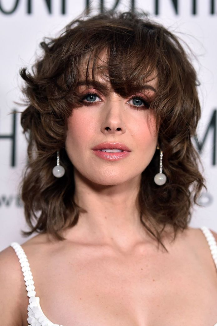 Cutting-bangs-Messy-Fringe-1 Hairstyles with bangs: How to cut bangs as a professional?