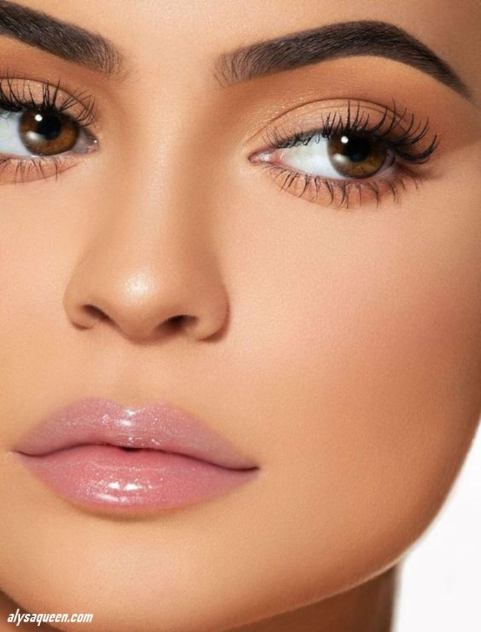 Pink-lips-gloss-1 6 Steps to Apply Makeup for Beginners