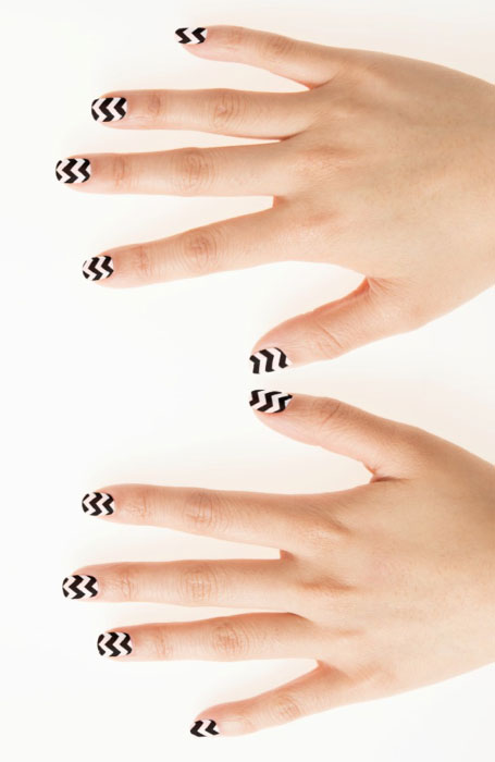 Zigzag-Nails 10 HOTTEST NAIL TRENDS TO TRY IN 2020
