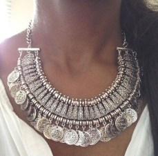 COIN COLLAR - Silver; Source: holypink.com