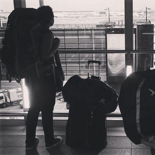 heathrow airport, black travel blogger, alyssa writes, expat in london