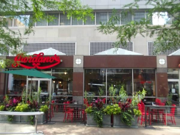 Giordano's, Chicago, best deep dish pizza