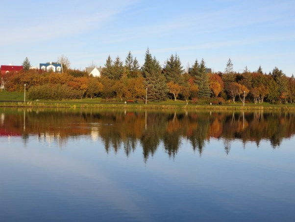 Tjornin Lake, Reykjavik, Iceland in Autumn, best time to visit reykjavik, reykjavik in fall