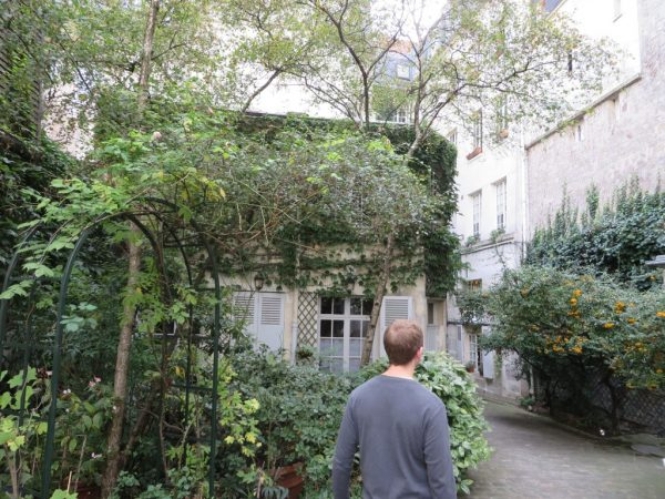 Hidden green space, Paris
