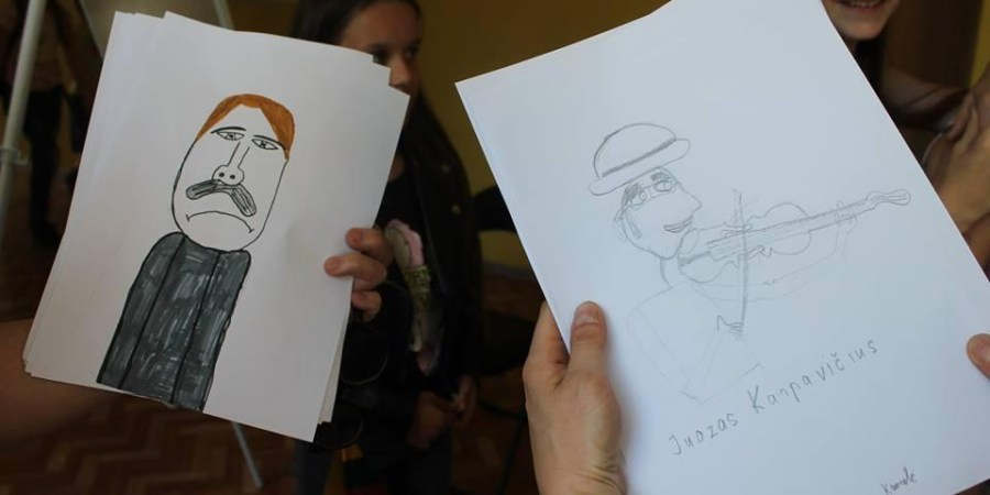 Mokiniai iš daugelio miesto mokyklų, lankantys muzikos mokyklą, piešė kompozitorių portretus. Pirmas iš kairės - A. Antanavičiaus (Šekspyro), dešinėje - J. Karpavičiaus atvaizdas  vaikų akimis