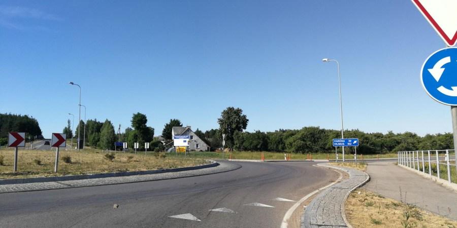 Tarp pirmą kartą Lietuvoje kompleksiškai įvertintų pėsčiųjų perėjų beveik šimtas - Dzūkijoje. Nesaugios yra valstybinės reikšmės keliuose Alytaus krašte ir kelia grėsmę pažeidžiamiausiems eismo dalyviams – pėstiesiems – 78 perėjos