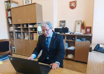 Lietuvos gyventojų genocido ir rezistencijos tyrimo centro (LGGRTC) generalinį direktorių A. Jakubauską iš užimamų pareigų atleido Seimas