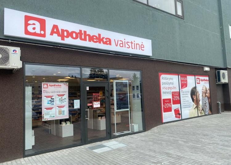 """Šalia Alytaus poliklinikos duris atverianti erdvi """"Apotheka"""" vaistinė (Naujoji 50 B, Alytus) klientus pasitiks plačiu receptinių ir nereceptinių vaistų asortimentu."""