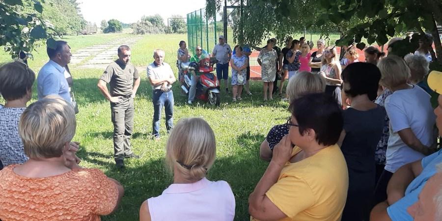 Susitikimas su vietiniais Verebiejų gyventojais. LR Seimo nario Kęstučio Mažeikos FB nuotr.