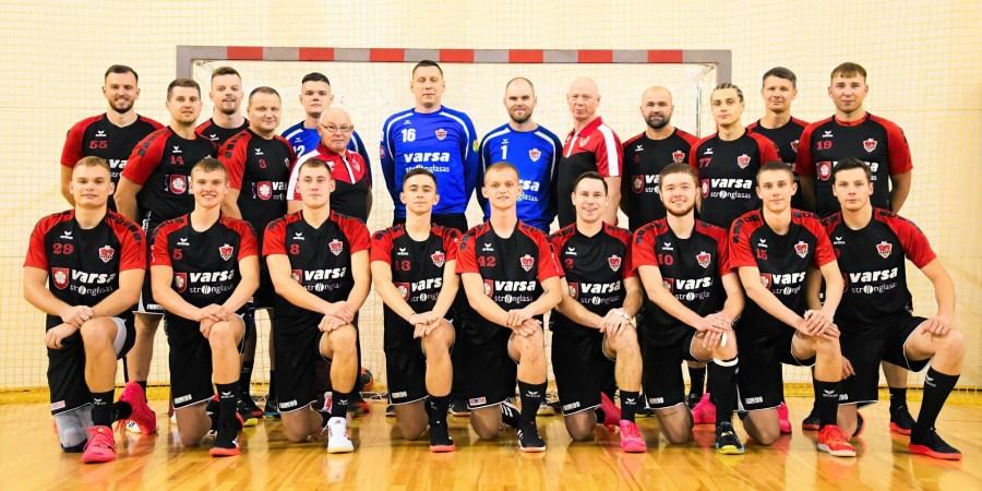 """2021-2022 m. sezoną pradedanti """"Varsos-Stronglaso""""  komanda. Dalijos Lipskos nuotr."""