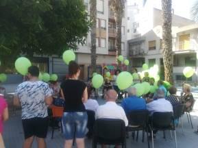 Preparados para la suelta de globos - Día Mundial del Alzheimer