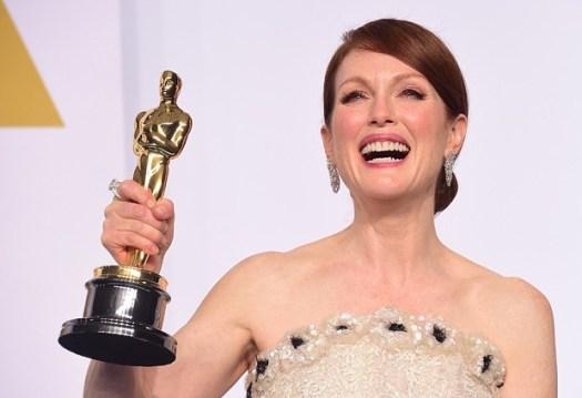 Julianne Moore earns Oscar for Still Alice