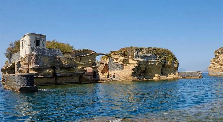 Гайола - мистический остров