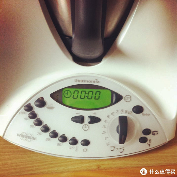 bimby kitchen robot moen chateau faucet repair 德国吸尘器公司脑洞大开 vorwerk thermomix 进口美善品料理神器 什么值得买 主面板 左侧控制温度 右侧控制转速 中间定时