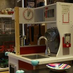 Kidkraft Toy Kitchen Wood Floors 儿子的新玩具:kidkraft 摩登岛玩具橱柜_开箱晒物_什么值得买