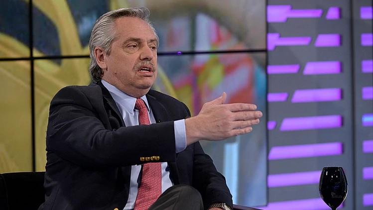 """Alberto Fernández: """"Si Macri me quiere mandar los atributos por correo, no tengo ningún problema"""""""