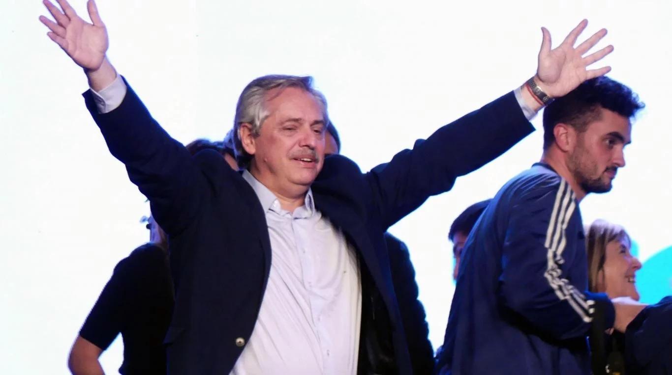 """Alberto Fernández prometió hacer """"honor a cada palabra y a cada cosa"""" prometida en la campaña"""