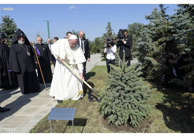 ANSA1032661_Articolo (photo credit Vatican Radio)