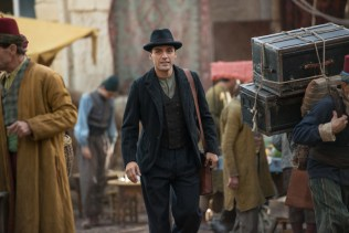 Oscar Isaac as Michael Boghosian in The Promise